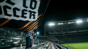 Continental Tire TV Spot, 'Supporters' Featuring Alexi Lalas - Thumbnail 4