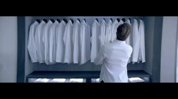 Giorgio Armani Code Colonia TV Spot, 'Camisas' con Chris Pine [Spanish] - Thumbnail 4