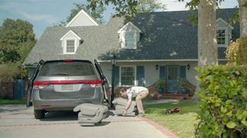2017 Chrysler Pacifica TV Spot, 'That Guy: Stow 'N Go' [T2] - 949 commercial airings