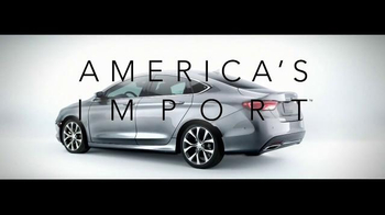 2015 Chrysler 200 TV Spot, 'German Performance: Worthy of the Autobahn' - Thumbnail 8