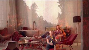 Glade Apple Cinnamon TV Spot, 'Feel Warm Inside' Song by Nina Simone - Thumbnail 5