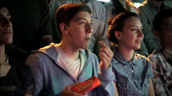 Reese's TV Spot, 'Los luchadores más payasos' [Spanish] - Thumbnail 2