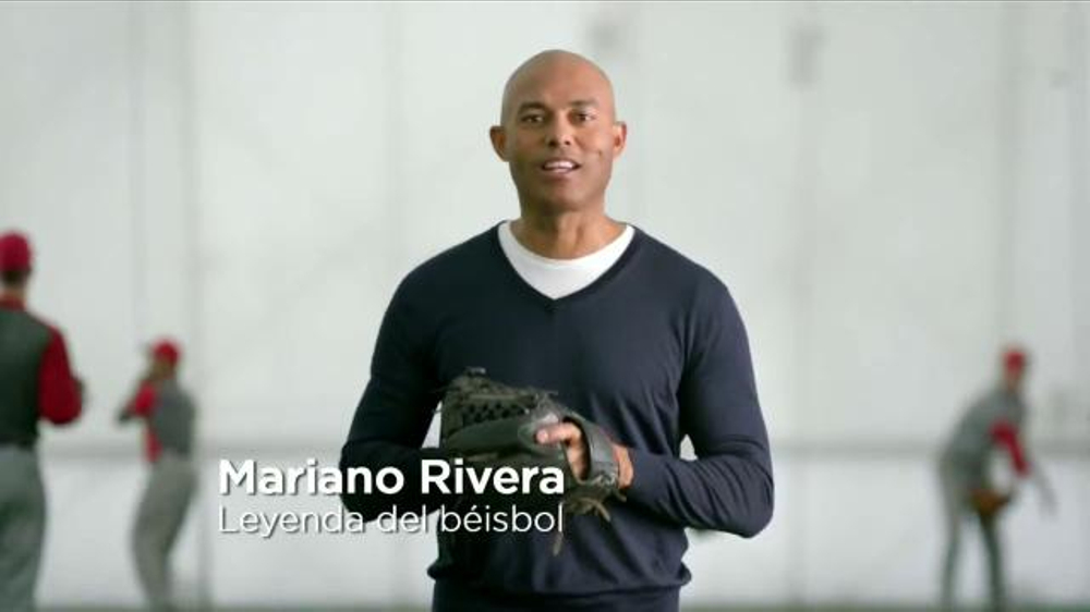 SKECHERS Relaxed Fit TV Commercial, 'Amoldados' con Mariano River