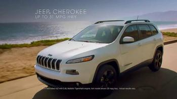 Jeep Summer Clearance Event TV Spot, 'Cherish the Summer' - Thumbnail 5