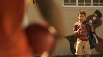 Quaker Chewy Granola Bars TV Spot, 'King of the Dodgeball Court' - Thumbnail 1