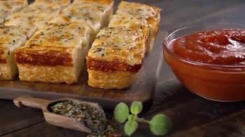 Little Caesars DEEP!DEEP! Dish Pizza TV Spot, 'La contraseña' [Spanish] - Thumbnail 8