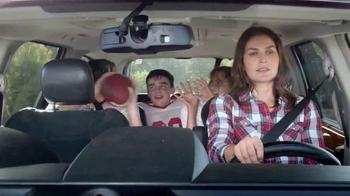 Febreze Car Vent Clips TV Spot, 'Conductora del autobús apestoso' [Spanish] - Thumbnail 1