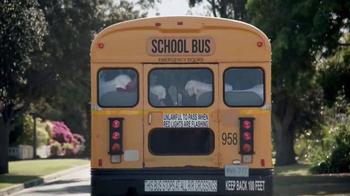 Febreze Car Vent Clips TV Spot, 'Conductora del autobús apestoso' [Spanish] - Thumbnail 4