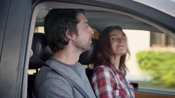 Febreze Car Vent Clips TV Spot, 'Conductora del autobús apestoso' [Spanish] - Thumbnail 7