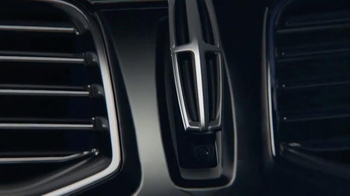 2016 Lincoln MKX TV Spot, 'Arrival' Featuring Matthew McConaughey - Thumbnail 1