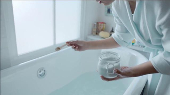 TJ Maxx TV Spot, 'Maxx Your Thing' Song by Estelle - Thumbnail 5