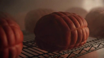 Boar's Head Beechwood Smoked Black Forest Ham TV Spot, 'Rich and Smooth' - Thumbnail 2