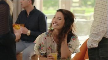 Bounce TV Spot, 'Mary: For Less Static, Less Wrinkles and More Freshness' - Thumbnail 5
