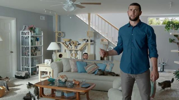 DIRECTV NFL Sunday Ticket TV Spot, 'Hide and Seek Andrew Luck' - Thumbnail 8