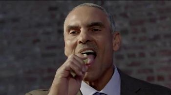Slim Jim TV Spot, 'Agua' con Charles Woodson, Herm Edwards [Spanish] - 871 commercial airings