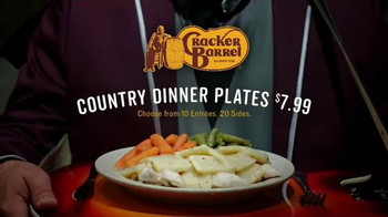 Cracker Barrel Country Dinner Plate TV Spot, 'Troubadour' - Thumbnail 9
