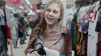Kmart TV Spot, 'Zombis' [Spanish] - Thumbnail 6