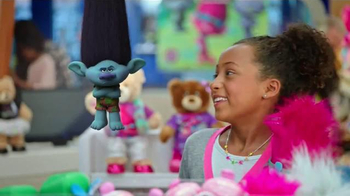 Build-A-Bear Workshop TV Spot, 'DreamWorks Trolls at Build-A-Bear' - Thumbnail 4