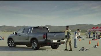 2017 Honda Ridgeline TV Spot, 'New Rules: NHL' - Thumbnail 6
