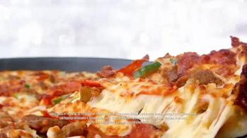 Papa John's Pan Pizza TV Spot, 'Tres Toppings' [Spanish] - Thumbnail 3