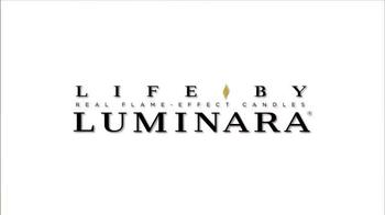 Luminara TV Spot, 'HGTV: Holiday Centerpiece' Featuring Genevieve Gorder - Thumbnail 6