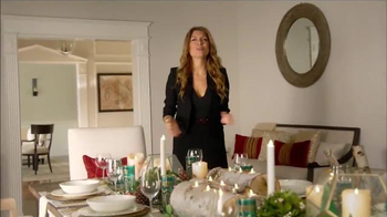 Luminara TV Spot, 'HGTV: Holiday Centerpiece' Featuring Genevieve Gorder - Thumbnail 5