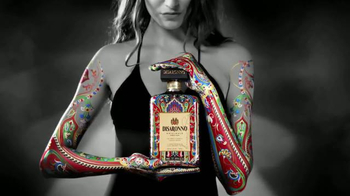 Disaronno Wears Etro Limited Edition Bottle TV Spot, 'This Holiday Season'