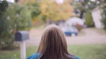 Kohl's TV Spot, 'Holiday 2016: Give a Little More: Charlene' - Thumbnail 3
