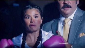 Old Navy TV Spot, 'Noche de Boxeo' con Diane Guerrero [Spanish] - 30 commercial airings