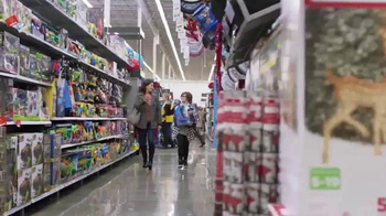 Walmart TV Spot, 'Black Friday: Levántate' canción de Pitbull [Spanish] - Thumbnail 3