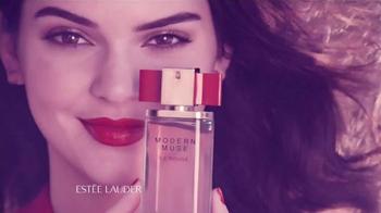 Estee Lauder Modern Muse Le Rouge Gloss TV Spot, 'Inspire' - Thumbnail 4