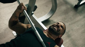 Apple Music TV Spot, 'Drake vs. Bench Press' Song by Taylor Swift - Thumbnail 7