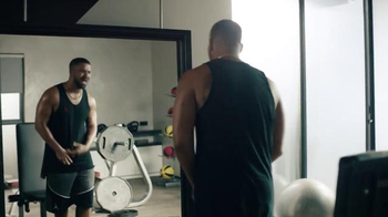 Apple Music TV Spot, 'Drake vs. Bench Press' Song by Taylor Swift - Thumbnail 4