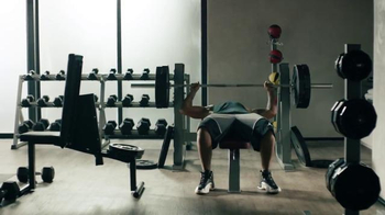 Apple Music TV Spot, 'Drake vs. Bench Press' Song by Taylor Swift - Thumbnail 5
