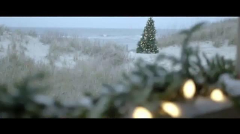 Izod TV Spot, 'Comfort and Joy' - Thumbnail 2