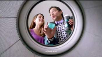 Downy Unstopables TV Spot, 'Lava su ropa entre familia' [Spanish] - Thumbnail 4