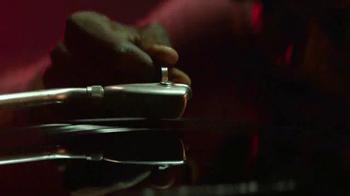 Apple MacBook Pro TV Spot, 'Bulbs' - Thumbnail 6