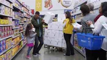 Walmart TV Spot, 'Holiday Shopping With Walmart: Get Up for Black Friday' - Thumbnail 7