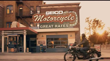 GEICO Motorcycle TV Spot, 'Vintage Sign' Song by Strange Weather - Thumbnail 5