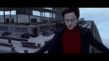 The Walk - Alternate Trailer 24