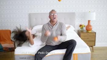 Tempur-Pedic TV Spot, 'Cradle' - Thumbnail 4