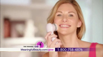 Meaningful Beauty Ultra TV Spot, 'The Youth Molecule' Feat. Cindy Crawford - Thumbnail 7
