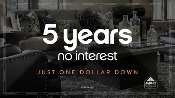 Ashley Furniture Homestore Columbus Day Sale TV Spot, 'Weekend Savings' - Thumbnail 4