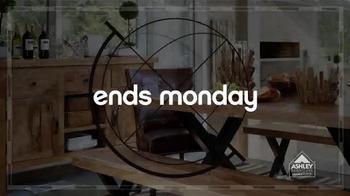 Ashley Furniture Homestore Columbus Day Sale TV Spot, 'Weekend Savings' - Thumbnail 5