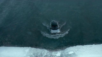2015 Land Rover Discovery Sport TV Spot, 'The Crossing' - Thumbnail 5