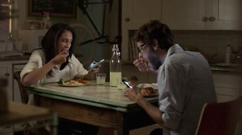 Campbell's Chicken Marsala Skillet Sauces TV Spot, 'Real Real Life: Phones' - Thumbnail 6