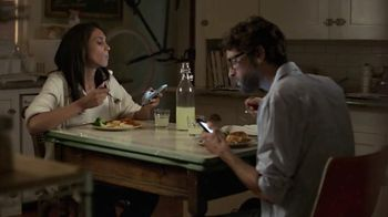 Campbell's Chicken Marsala Skillet Sauces TV Spot, 'Real Real Life: Phones' - Thumbnail 7