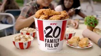 KFC $20 Family Fill Up TV Spot, 'AMC: Fear the Walking Dead' - Thumbnail 4