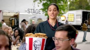 KFC $20 Family Fill Up TV Spot, 'AMC: Fear the Walking Dead' - Thumbnail 5