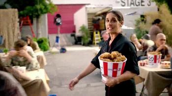 KFC $20 Family Fill Up TV Spot, 'AMC: Fear the Walking Dead' - Thumbnail 6